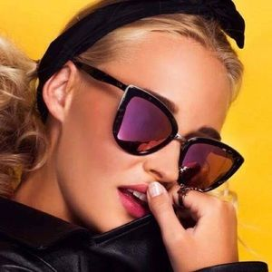 a02b3289513 Quay Australia Accessories - Quay my girl purple 💜 tint mirrored sunglasses